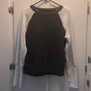 Alo Sweater super comfy almost NEW